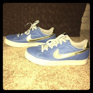 Nike skater shoes